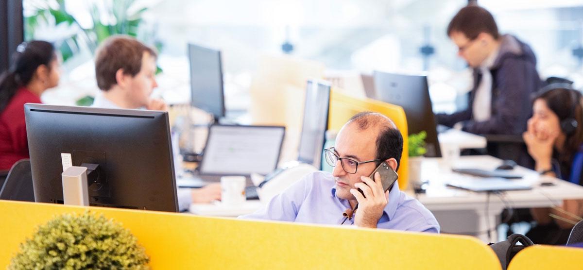 BizHub-Coworking-Premium-Desk
